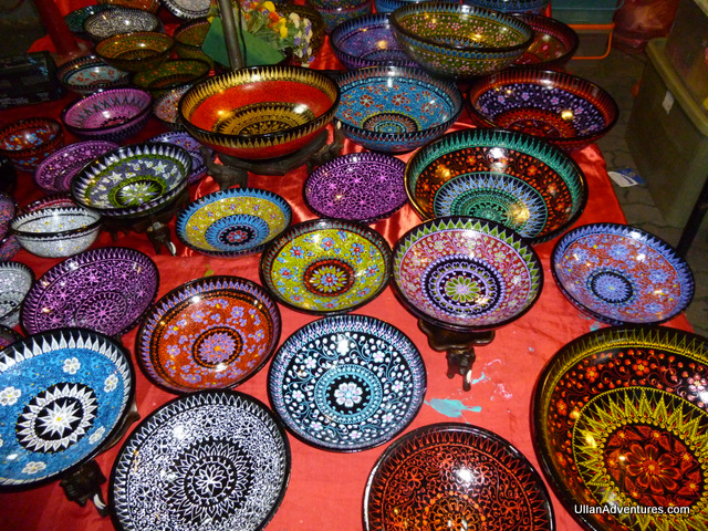 Love these hand painted lacquer bowls