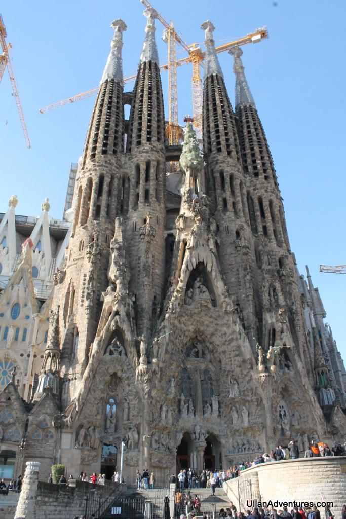 La sagrada familia church in barcelona for La sagrada familia church